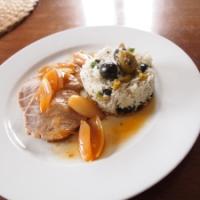 Kalbsnuss geschmort, Schalotten und Oliven-Reis