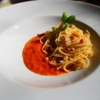 Spaghetti mit Ofentomatensauce und Knusper